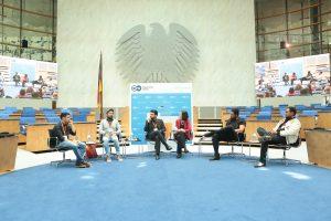 Die Teilnehmer der Diskussion zu Kunst und Kultur im Kontext von Dialog und Politik.