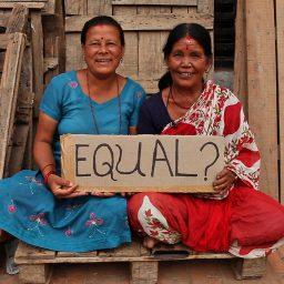 "<span style=""color: #55d6d2;"">Frauen – medial – international</span>"